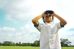 http://www.dreamstime.com/royalty-free-stock-images-boy-binoculars-image20584569